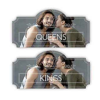 王とクイーンズ クラウン プラーク トイレのドアのサイン