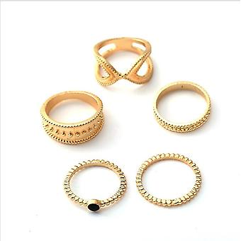5 stk bohemian rings in different shapes in the color gold