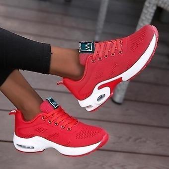 المرأة تنفس عارضة في الهواء الطلق أحذية رياضية خفيفة الوزن