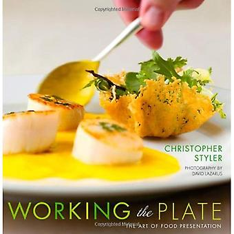 La plaque de travail: l'Art de la présentation des plats