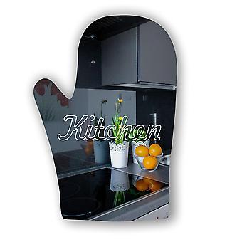 キッチンにオーブン グローブ アクリル ミラーのサインが刻まれています。