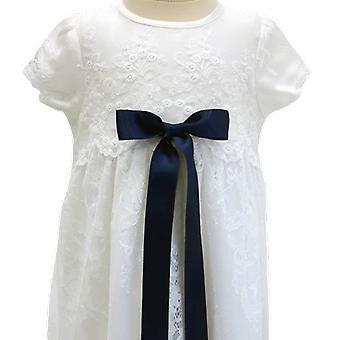 Dopklänning I Vit Spets Med Mörk Blå Rosett. Grace Of Sweden