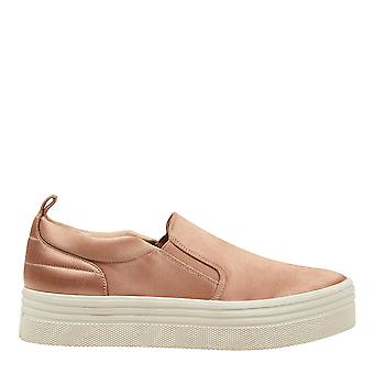 Marc Fisher Womens Elise6 Fabric Low Top Slip On Fashion Sneakers