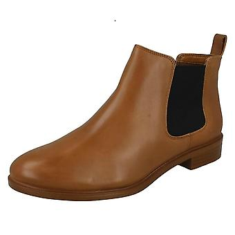 Mesdames Clarks Chelsea Boots Taylor Shine