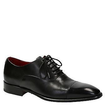 Mężczyzn w Oksfordzie cap toe buty czarnego koloru skóry
