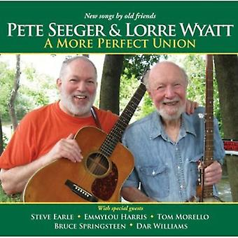 Pete Seeger & Lorre Wyatt - More Perfect Union [CD] USA import