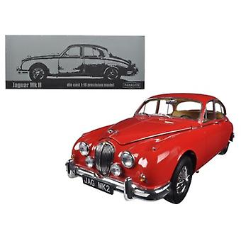 1962 Jaguar Mark 2 3.8 Carmen Red Left Hand Drive 1/18 Diecast Model Car par Paragon