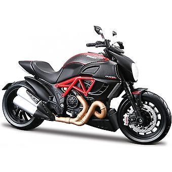 Maisto Special Edition Motorbike 1:18 Ducati Diavel Carbon Red & Black