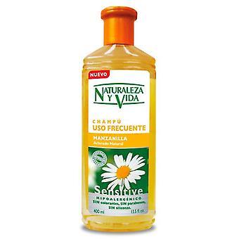 Naturaleza y Vida Sensitive Chamomile Shampoo 300 ml