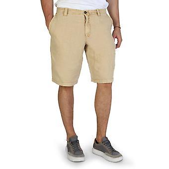 Man shorts shorts aj89655