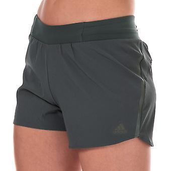 Frauen's adidas Samstag 4 Zoll Shorts in grün