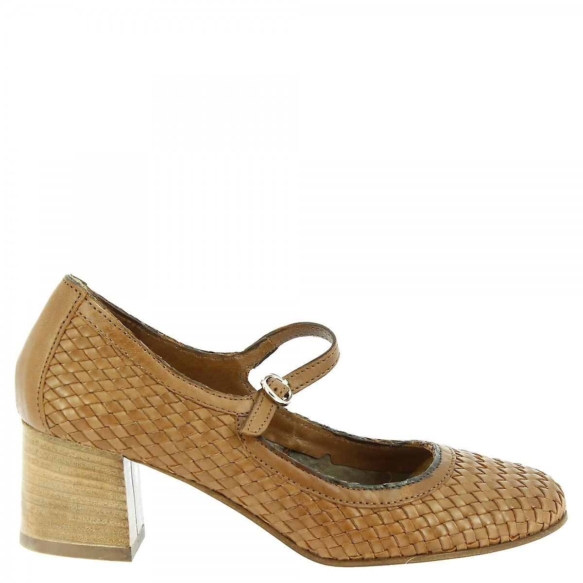 Leonardo Shoes Women's handmade mid heels pumps in brown woven calf leather