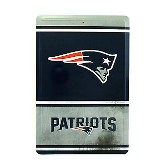 New England Patriots NFL Team Logo Tin Sign