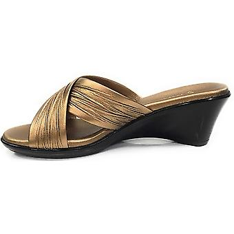 ITALIAN Shoemakers Women's Softy Wedge Sandal