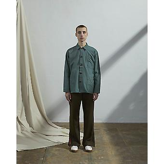 The #3001 buttoned overshirt green