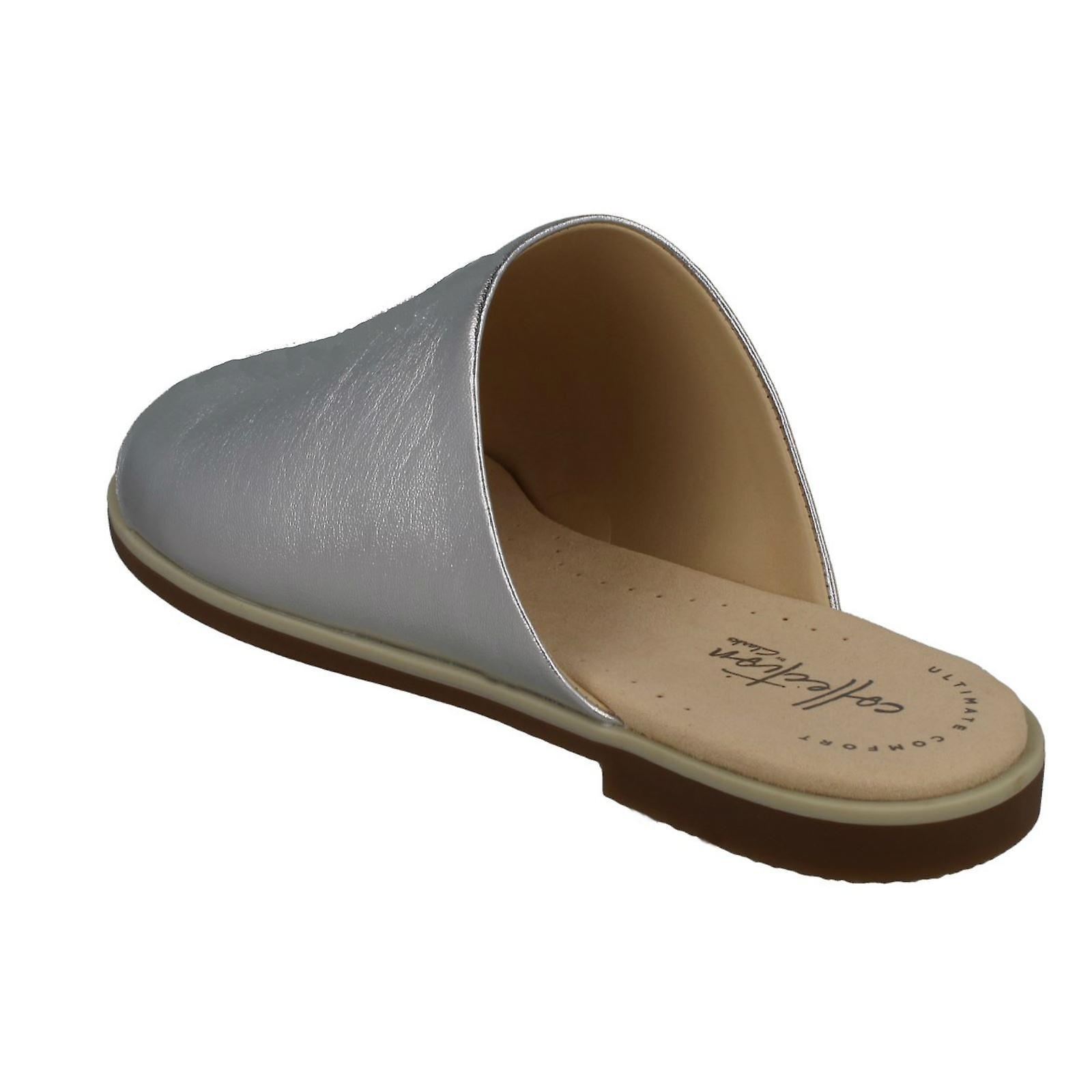 Ladies Clarks Peep-Toe Mule Sandals Bay Petal