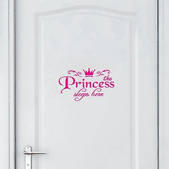Prinsessen sover her hjem innredning soverom dør vegg klistremerke
