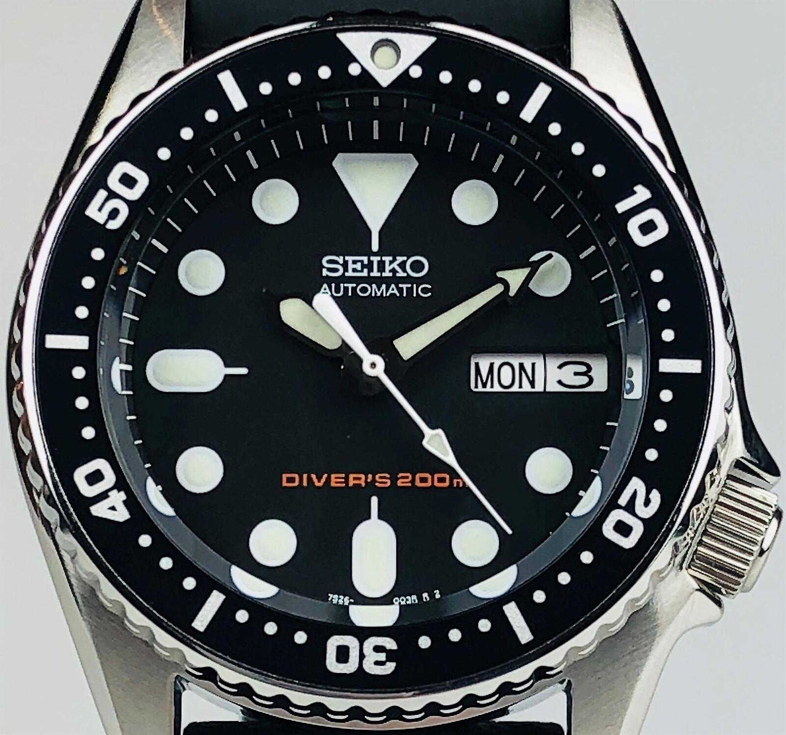 Seiko Diver's 200m Automatic 42mm Stainless Steel Case Black Rubber Strap Men's Watch SKX013K1