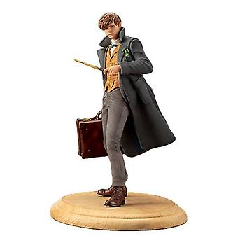 Fantastic Beasts: The Crimes Of Grindelwald Newt Scamander 1:10 Scale Artfx+ Statue