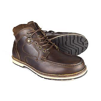 Administratieve rompslomp Nore mannen bruinleren toevallige werknemer laarzen