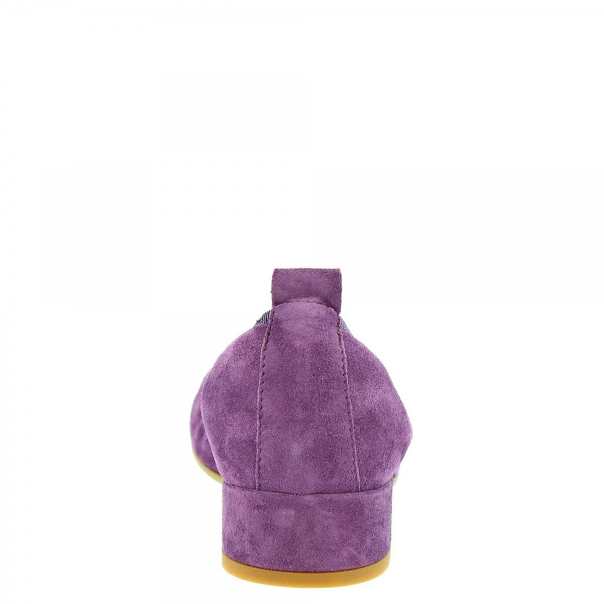 Leonardo Shoes Women's Handmade Low Heeled Ballet Flats Purple Suede Leather