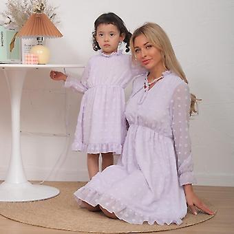 Kevään äiti tytär vastaavat mekot perhesetti