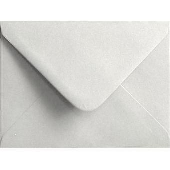 Wit, gegomd wenskaart gekleurde witte enveloppen. 100gsm FSC duurzaam papier. 125 mm x 175 mm. bankier stijl envelop.