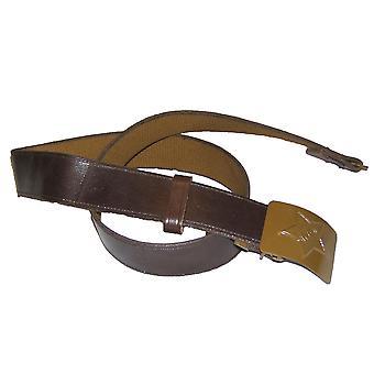 أصدر الجيش السوفياتي الأصلي ابزيم الحزام نجمة