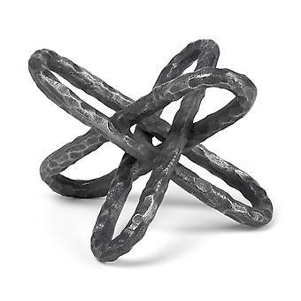 Hopeinen metallinen ketjulinkin veistos