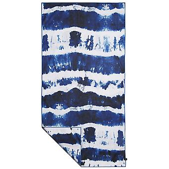 Slowtide Cassady Beach Towel in Navy/White