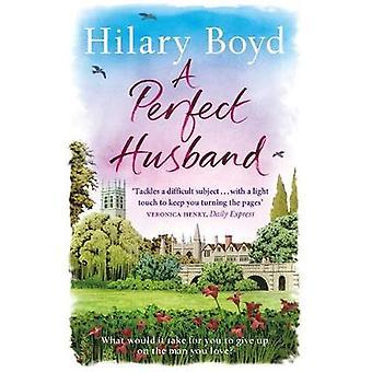 Täydellinen mies Hilary Boyd - 9781784294182 kirja