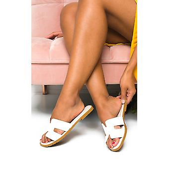 IKRUSH Womens Nora faux couro deslizamento em sandálias