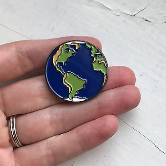 Aarde Emaille Pin