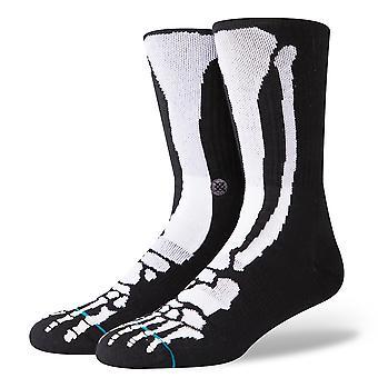 Holdning knogler 2 glød i den mørke besætning sokker i sort