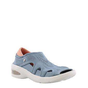 BZees Womens Resort Low Top Slip On Walking Shoes