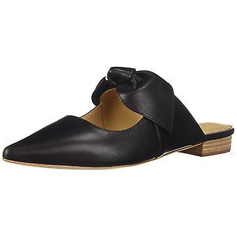 Bill Blass Womens sabrina Pointed Toe Casual Slide Sandals
