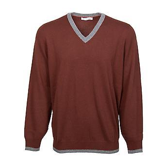 Brunello Cucinelli Classic V-Neck Cashmere Sweater in Burgundy