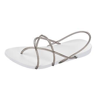 Ipanema avec Starck chose G Womens Flip Tongs / sandales - blanc et la fumée