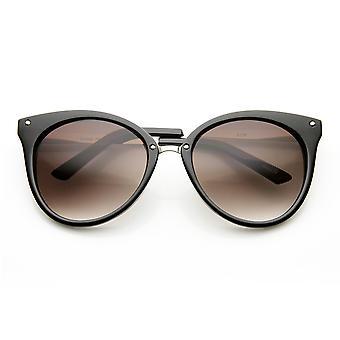 Medelstora spetsiga Horn kantad Cat Eye solglasögon med dubbar