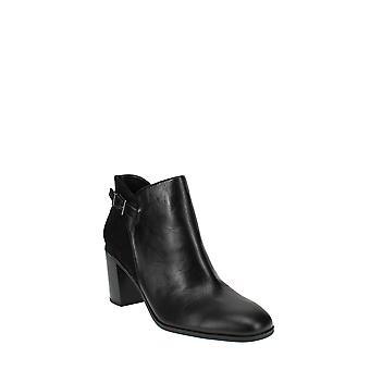Bandolino | Orelia Ankle Boots