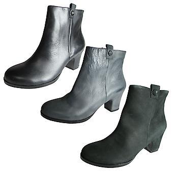 Gentle Souls Womens Soft Cast Short Heel Ankle Boot Shoe