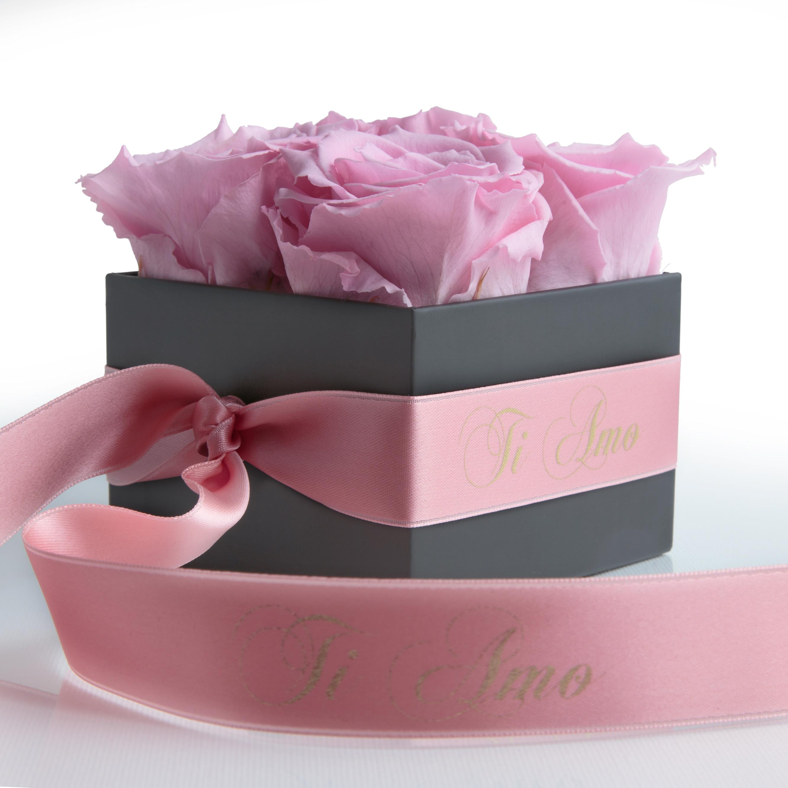 Rose pink and satin ribbon preserved TI AMO box with 4 shelf life 3 years