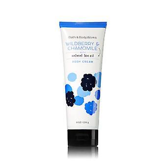 Crème pour le corps de Bath et Body Works Wildberry et Chamomile 8 oz / 226 g (2 Pack)