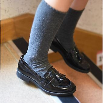 GEOX جونيور أغاتا بنات Moccasin تاسل أحذية المدرسة براءات الاختراع الأسود