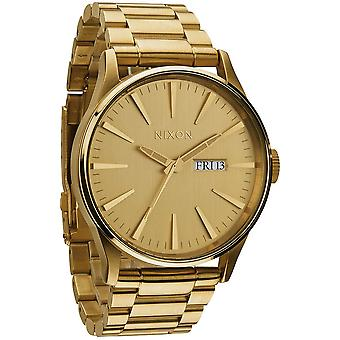 Nixon Sentry Quartz Analog Man Watch with A356502 Gold Plated Stainless Steel Bracelet