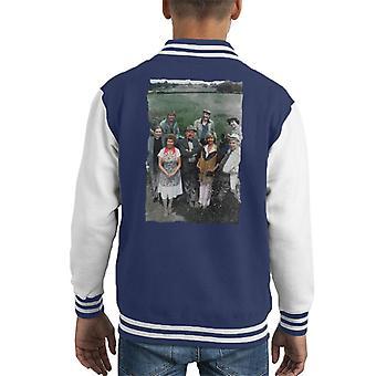 TV tijden een selectie van tekens van Emmerdale Farm 1978 Kid's Varsity Jacket