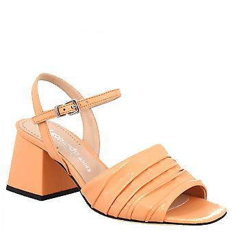 Leonardo Shoes Women's handmade squared heels sandals in peach leather with buckle closure