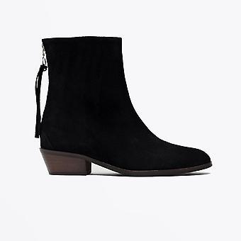 Anonim Copenhaga - Sacha - Suede Heeled Boots - Negru