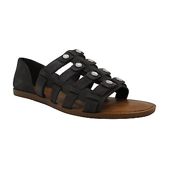1. State Womens telle Closed Toe Boat Shoes
