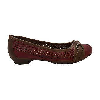 Comfortiva Womens Posie laser Leather Closed Toe Ballet Flats